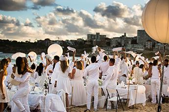 The World's Largest Dinner Party – Dinner en Blanc 2014